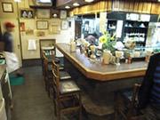 馬刺しの「かつ美食堂」